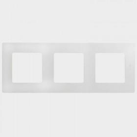 672503 Рамка 3 поста Legrand Etika Белый