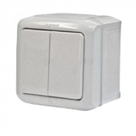 Выключатель Legrand Quteo Белый 782301 IP44 двухклавишный с 2-х мест